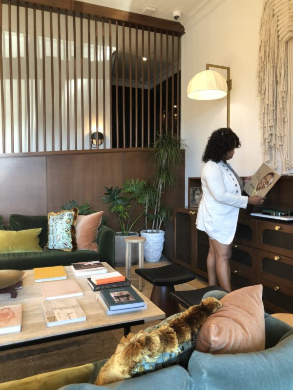 pet friendly hotels Charleston savannah